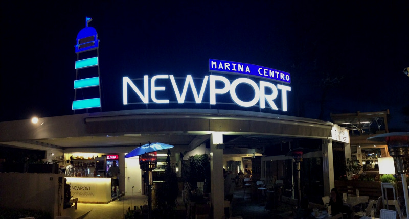 Newport Marina Centro - Insegna